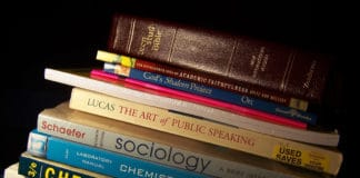 What's behind the soaring cost of college textbooks
